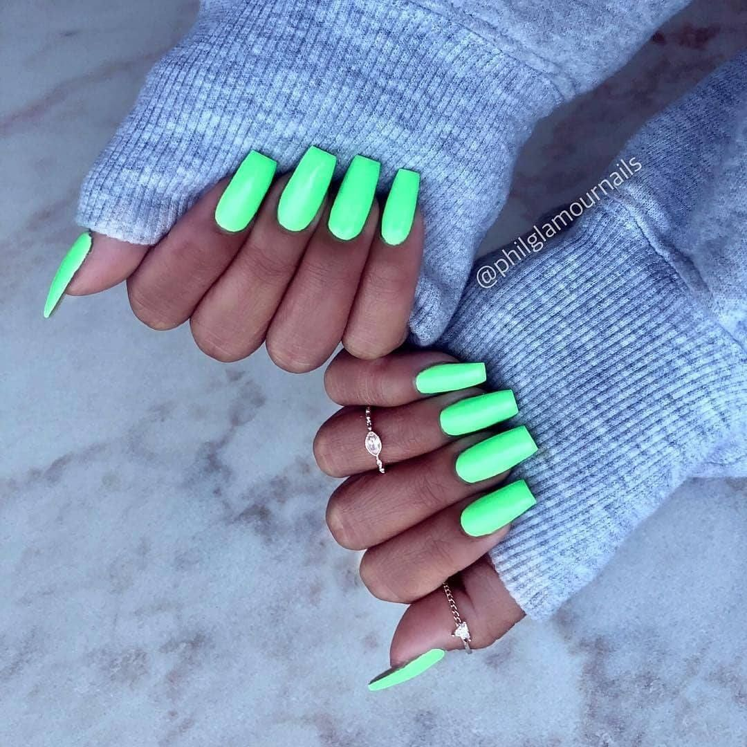 These Beautiful Nails Pictures Are the Perfect Pick-Me-Ups